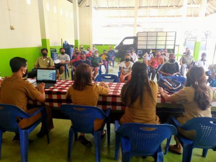 Pembagian BLT Dana Desa Tahap 2 Bulan Agustus di Aula Desa Sekumpul